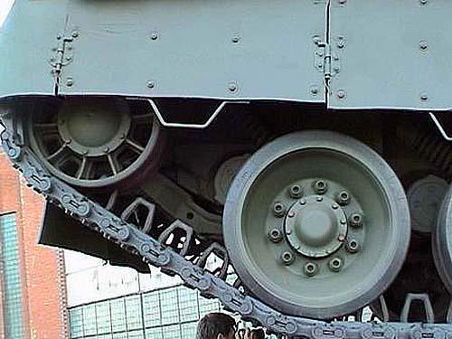 Как сделать колесики к танку